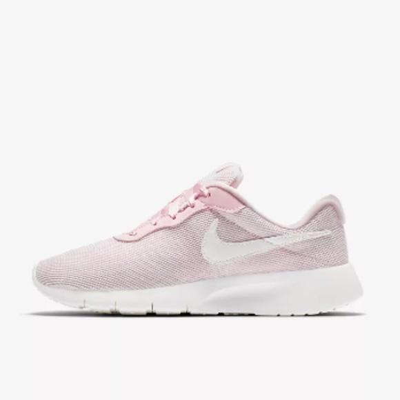 0c7339a2b7b5 NEW NWT Nike Tanjun Light Pink Shoe